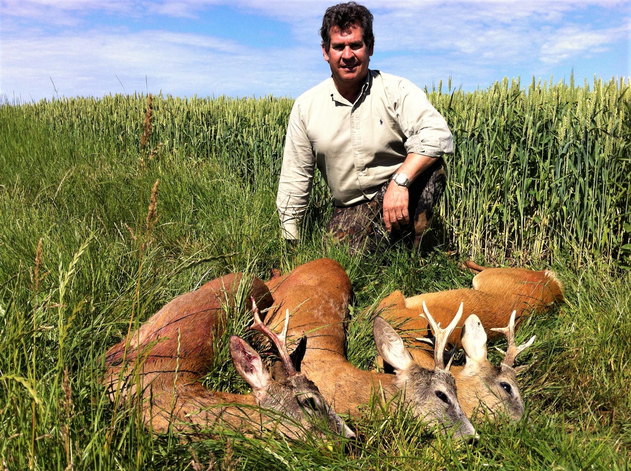 persuasive essays on hunting deer